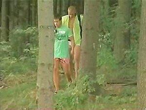 Wald teenboys nackt im Gay Boys
